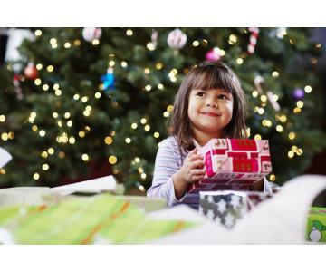 Что подарить ребенку в дополнение к сладкому подарку в Новом 2021 Году